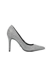 Zapatos de tacón de cuero con adornos plateados de Michael Kors