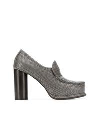 Zapatos de tacón de cuero con print de serpiente grises de Stella McCartney