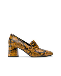 Zapatos de tacón de cuero con print de serpiente mostaza de Casadei