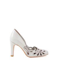 Zapatos de tacón de cuero con recorte blancos de Sarah Chofakian