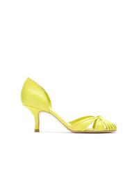 Zapatos de tacón de cuero con recorte en amarillo verdoso de Sarah Chofakian