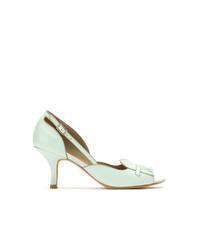 Zapatos de tacón de cuero con recorte en verde menta de Sarah Chofakian