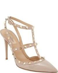 Zapatos de Tacón de Cuero con Tachuelas Beige
