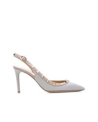 Zapatos de tacón de cuero con tachuelas celestes de Valentino