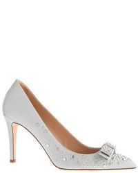 Zapatos de tacón de cuero con tachuelas grises