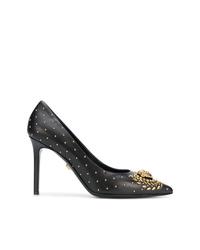 Zapatos de tacón de cuero con tachuelas negros de Versace