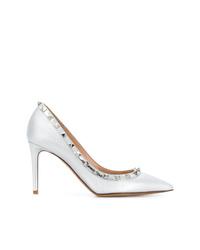 Zapatos de tacón de cuero con tachuelas plateados de Valentino