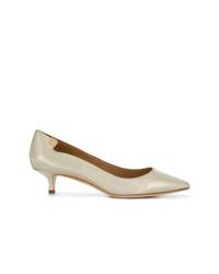 Zapatos de tacón de cuero dorados de Tory Burch