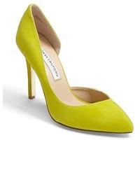 Zapatos de tacón de cuero en amarillo verdoso