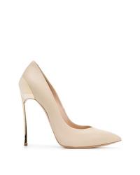 Zapatos de tacón de cuero en beige de Casadei