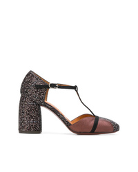 Zapatos de tacón de cuero en marrón oscuro de Chie Mihara