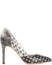 Zapatos de tacón de cuero estampados en blanco y negro