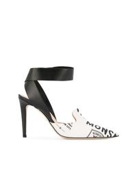 Zapatos de tacón de cuero estampados en blanco y negro de Monse