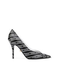 Zapatos de tacón de cuero estampados en negro y blanco de Versace