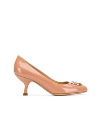 Zapatos de tacón de cuero marrón claro de Salvatore Ferragamo