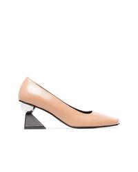 Zapatos de tacón de cuero marrón claro de Yuul Yie