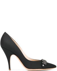 Zapatos de tacón de cuero negros de Moschino