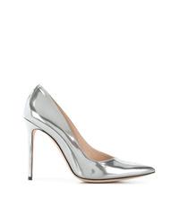Zapatos de tacón de cuero plateados de Giorgio Armani