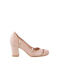 Zapatos de tacón de cuero rosados de Sarah Chofakian