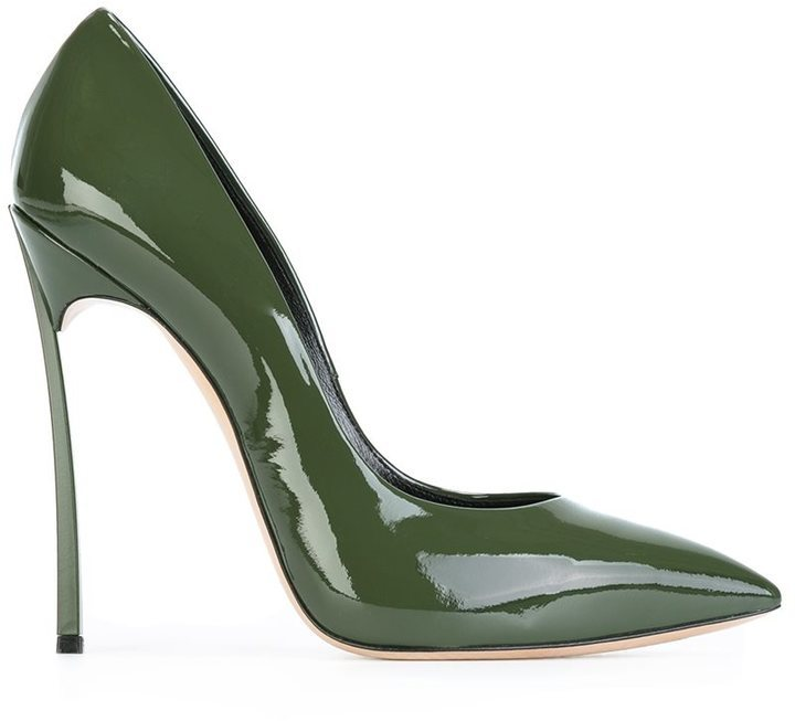 5d7b37e4 Zapatos de tacón de cuero verde oliva de Casadei, MEX$12,915 ...