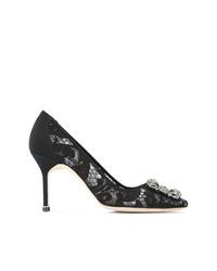 Zapatos de tacón de encaje negros de Manolo Blahnik