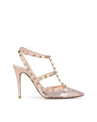 Zapatos de tacón de lentejuelas con tachuelas dorados de Valentino