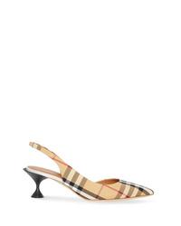 Zapatos de tacón de lona a cuadros marrón claro de Burberry
