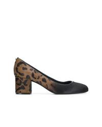Zapatos de tacón de pelo de becerro de leopardo en marrón oscuro de Salvatore Ferragamo