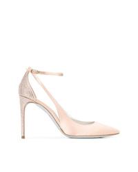 Zapatos de tacón de satén con adornos en beige de Rene Caovilla