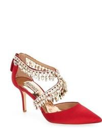 Zapatos de tacón de satén con adornos rojos