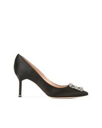 Zapatos de tacón de satén negros de Manolo Blahnik