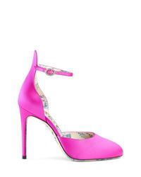 Zapatos de tacón de satén rosa de Gucci