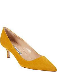 Zapatos de tacón mostaza