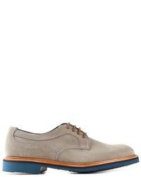 Zapatos derby de ante grises de Tricker's